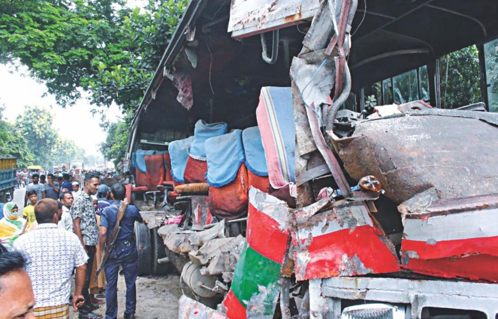 A Police Sub Inspector Lost His Life In Rather Unusual Road Accident The Capitals Mirpur Area Yesterday As Motorbike Was Hit By Seized Bus Being